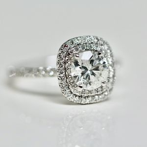 1.82 Carats 18k White Gold  Engagement Ring